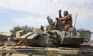 """تراجع تركيا والفصائل إلى عمق إدلب: انهيار خطوط دفاع """"الريفَيْن"""" image"""