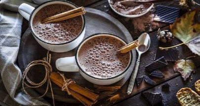 شرب الشوكولاتة الساخنة يوميا يعزز قدرة المشي لدى كبار السن image