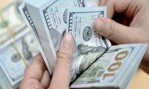 لماذا لم يلتزم الصيارفة بسعر 2000 ليرة لصرف الدولار؟ image