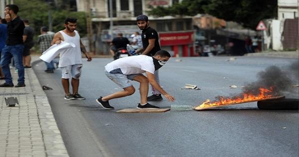 ناطق باسم الثوار: للتحول الى العنف وضرب المؤسسات image
