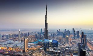 دبي تشدد القيود على الحركة لمدة أسبوعين لاحتواء انتشار كورونا image