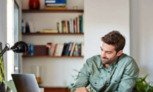 9 مفاتيح لإجراء مقابلة عمل عبر سكايب image