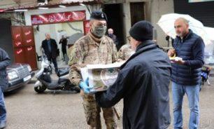الجيش وزع حصصا غذائية لعدد من العائلات في عكار طرابلس والكورة image