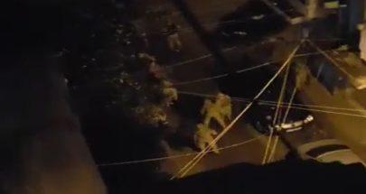 الجيش اللبناني يفرق المتظاهرين في طرابلس بالقنابل المسيلة للدموع image
