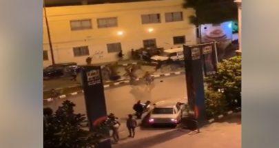 الجيش يفرق المتظاهرين في طرابلس image