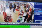بالفيديو: اطلاق نار وسرقة في احدى الصيدليات! image