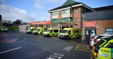 مسؤول بالصحة البريطانية عن إصابات كورونا : بدأت تظهر علامات الاستقرار image