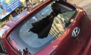 ضربٌ وتكسير سيارات.. هذا ما حصل في عين التينة (صو+ فيديو) image