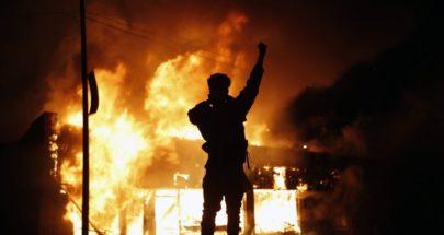 مقتل ضابط فدرالي وإصابة آخر بإطلاق نار أثناء مظاهرات في كاليفورنيا image