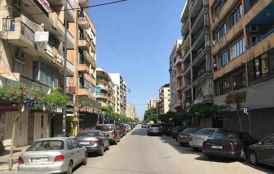 شوارع طرابلس بعد قرار التعبئة وحظر التجول لمدة 4 ايام تفادياً لانتشار كورونا image