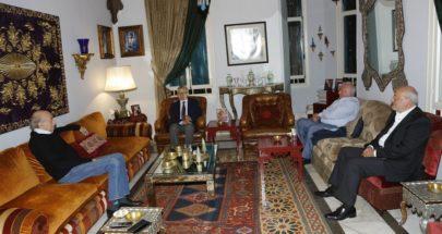 جنبلاط عرض الأوضاع مع السفير الروسي image