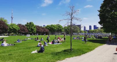 حشود في حدائق تورونتو... ورئيس وزراء مقاطعة أونتاريو الكندية مصدوم! image