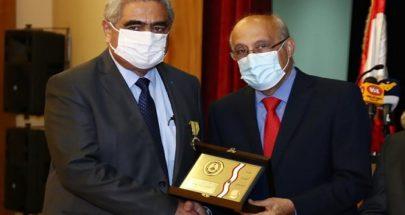 نقابة الاطباء تكرم المدير العام لوزارة الصحة image