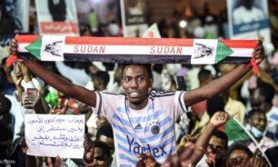 """انقسام في تجمع المهنيين السوداني.. واتهامات بـ""""واجهة حزبية"""" image"""