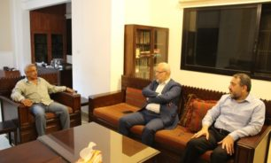سعد عرض مع وفد من حزب الله الاوضاع الاقتصادية وبحث مع البزري اجراءات الوقاية من كورونا image