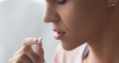 هل تؤجل جرعات الإيبوبروفين الدورة الشهرية لبضعة أيام؟ image
