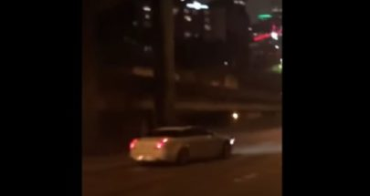 بالفيديو بسرعة جنونية... سيارة تدهس متظاهرين في سياتل الأميركية image