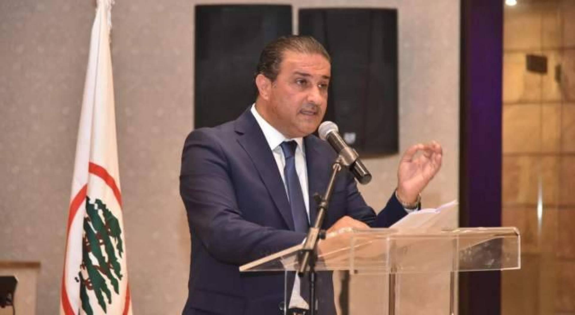 سعد جبران باسيل عم يزرع تا ياكل من زرعو Lebanonfiles