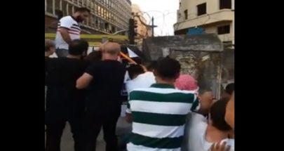 محتجون ازالوا الجدران الاسمنتية أمام مجلس النواب image