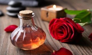 فوائد ماء الورد للجسم والبشرة والشعر image