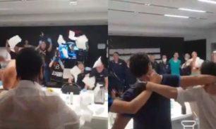 احتفالات لاعبي زينيت بتتويج فريقهم بلقب الدوري الروسي image