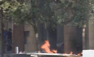 مدير فندق لوغراي يناشد: متظاهرون يحاولون احراق الفندق.. وحياة 50 موظفا مهددة image