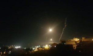 العدو الاسرائيلي أطلق قنابل مضيئة فوق الناقورة حتى مروحين image