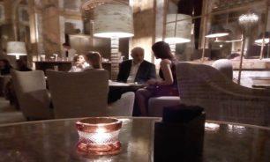 بالصورة بين رئيس القوات وعقيلته... عشاء خاص في باريس! image