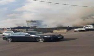 بالفيديو اللبنانيون ولعنة الحرائق اليومية... إحتراق معمل في سد البوشرية image