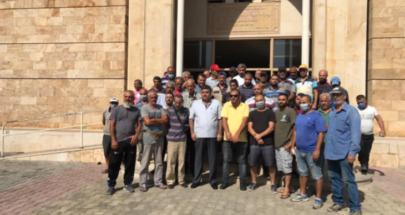 اعتصام لمياومي بلدية الميناء احتجاجا على عدم قبض مستحقاتهم image