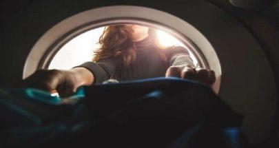 غسل الملابس يطلق 175 ألف طن من الألياف الاصطناعية كل عام image