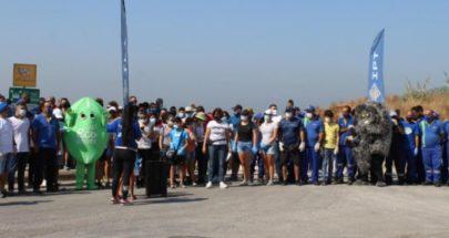 """موظّفو أي بي تي ينظّفون شاطئ عمشيت في """"يوم النظافة العالمي"""" image"""
