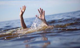 الدفاع المدني يعمل على انتشال جثة غرقت في بركة مياه image