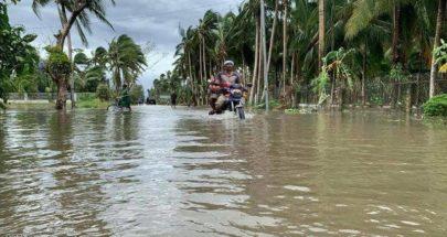 إعصار قوي يجتاح الفلبين ويشرد الآلاف image