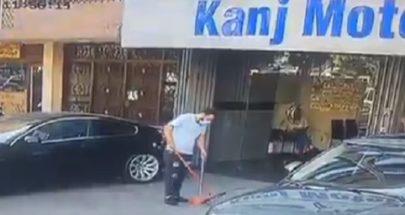 لحظة إصابة أحد المواطنين في ظهره... إطلاق نار كثيف في طرابلس image