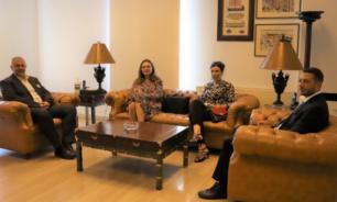 عبود التقى سفيرتا الدنمارك واليونان ووفدا من السفارة الفرنسية image