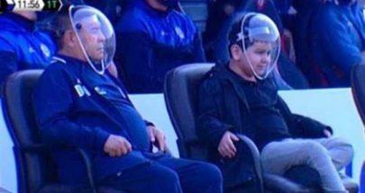 مارادونا يحتمي من كورونا بطريقة غريبة... ويردّ على المستهزئين image
