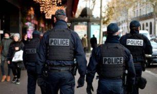 فرنسا تعتقل 3 ناشطات ألصقن رسوماً كاريكاتورية للنبي محمد image