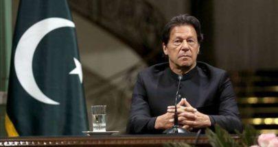 عمران خان يطلب من فيسبوك حظر أي محتوى ينطوي على التخويف من الإسلام image