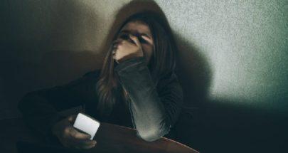 أحد أصدقائها في المدرسة ابتزها... شوّه سمعتها ونشر صورا غير محتشمة لها image