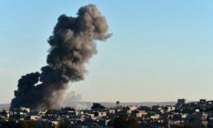 مقتل 20 في ضربات جوية على معسكر للمعارضة السورية image