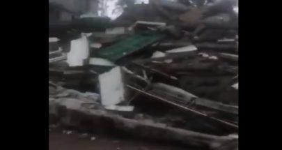الامطار الغزيرة تسقط مبنى متضرر من إنفجار المرفأ في المدور image