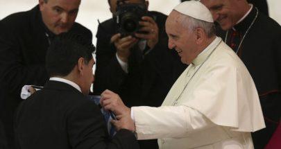 البابا فرنسيس يصلي من أجل مارادونا image