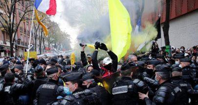 مواجهات بين المحتجين وقوات الأمن الفرنسية في وسط باريس image