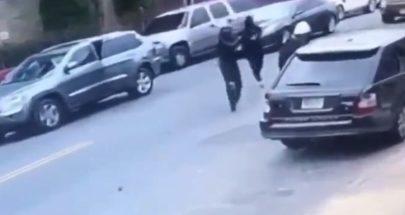 فيديو يوثق لحظة إطلاق النار على مغني في وسط الطريق image
