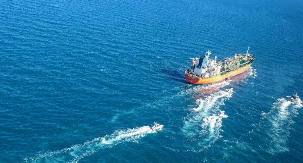 وصول سفينة مازوت تكفي السوق لأسبوع