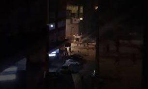 بالفيديو: شبان يرشقون مبنى سرايا طرابلس بالحجارة image