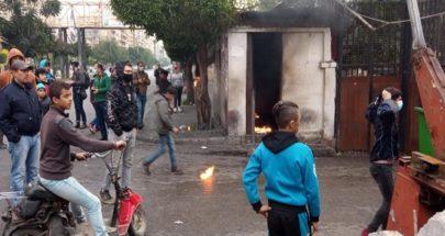 بالصور والفيديو لليوم الثالث إحتجاجات في طرابلس... وحرق غرفة حرس السرايا image