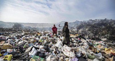 بالصور.. أكوام القمامة مصدر العيش في شمال سوريا image