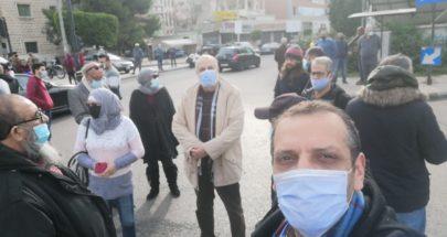 الاحتجاجات تعود إلى الشارع.. قطع طرقات من الشمال إلى الجنوب: لا لتمديد التعبئة image